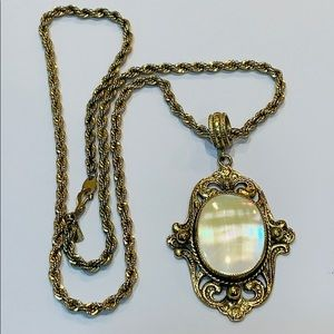 Jewelry - Long Mother of pearl pendant gold plated vintage